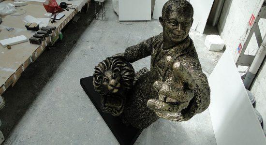 Sculpture // Pascal Jacquet représente Antoine de Saint-Exupéry pour l'aéroport de Lyon