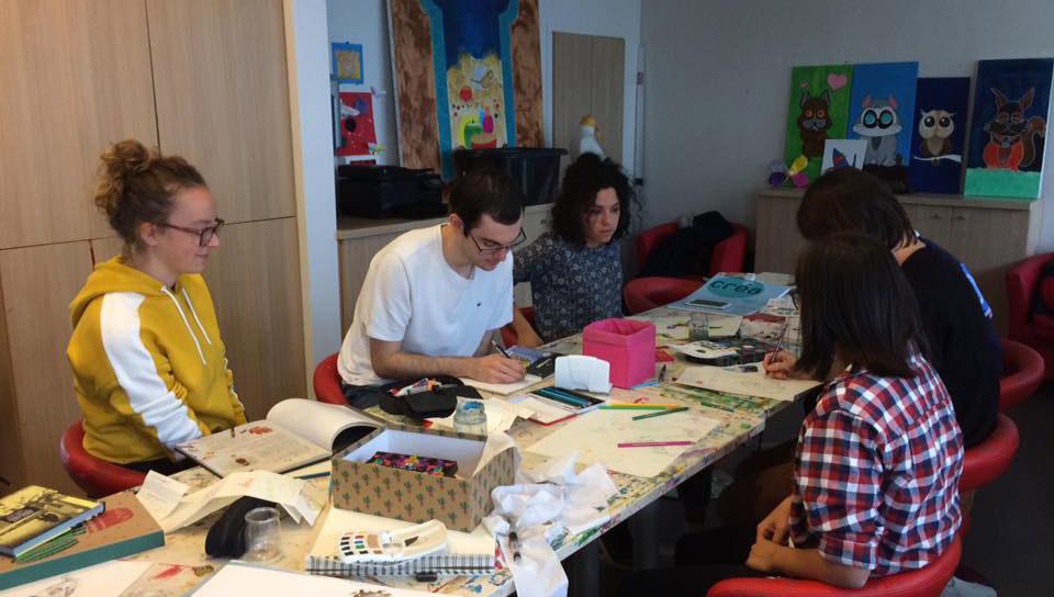 Association des étudiants // Elles dessinent pour les enfants malades